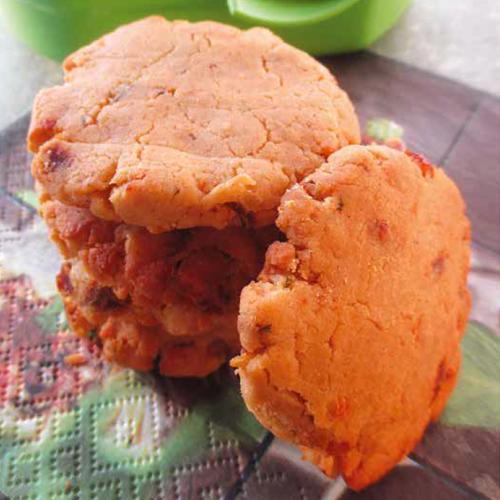 aszalt paradicsomos parmezános keksz