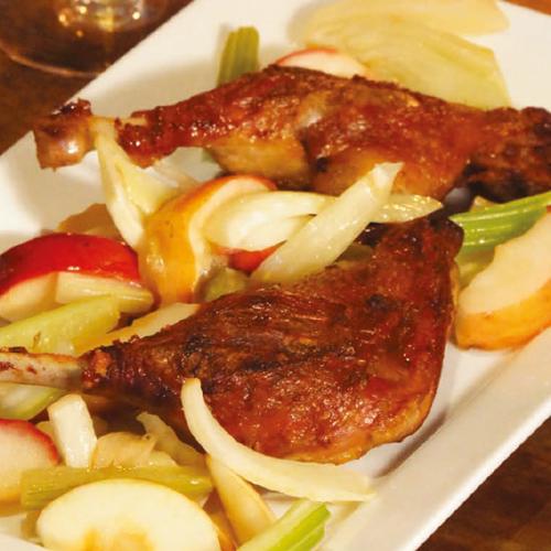 Muskotályos kacsacomb sült almával, zellerrel és édesköménnyel