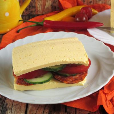 "Paleo ""cheddar sajt"" szendvics"