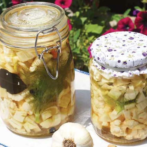 savanyított karfiol és édeskömény