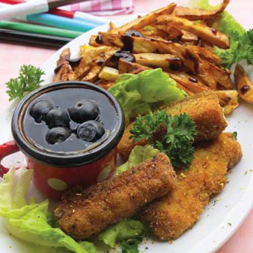 zöldfűszeres halrudacskák sült zellerhasábokkal és szilvás áfonyaszósszal